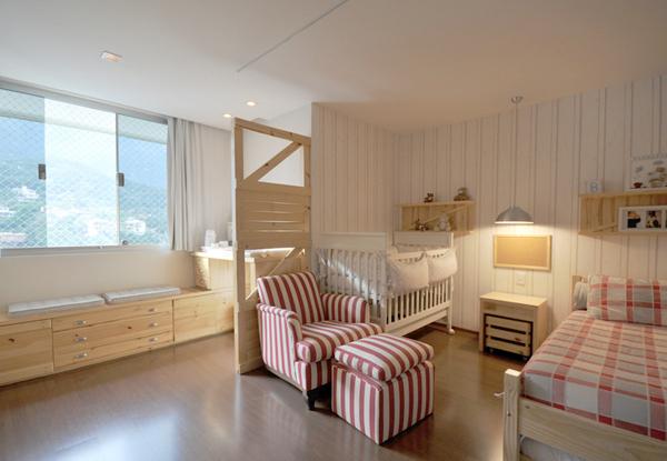 Um bebê, uma criança e um só quarto  keko Baby